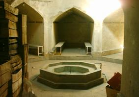 کنگاور شهر تمدن و تدین - حمام کهنه ( توکل )
